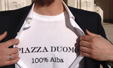 A fun shot of Enrico Crippa during the award ceremony for the World's 50 Best Restaurants on Monday April 29th 2013 in London. Under the shirt, the chef from Piazza Duomo in Alba, was wearing a t-shirt made explicitly thinking of 100 Alba, the book he would later dedicate to the city that adopted him