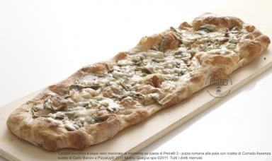 Carciofi pecorino e pepe nero macinato al momento su pasta di Petra® 3 - Scatto di Carlo Baroni