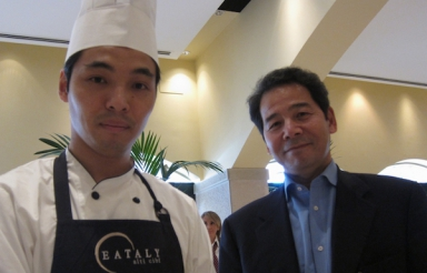 Lo chef Ishii Hidenao e il giornalista Shingeru Haiashi, socio di Eataly in Giappone