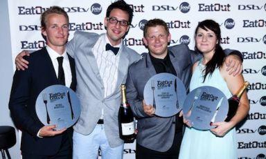 Il team del ristorante Rust En Vrede, insegna nella wine estatedi Stellenbosch, pluripremiato nella cerimonia di ieri degli Eat Out Awards, sorta di Oscar della ristorazione sudafricana