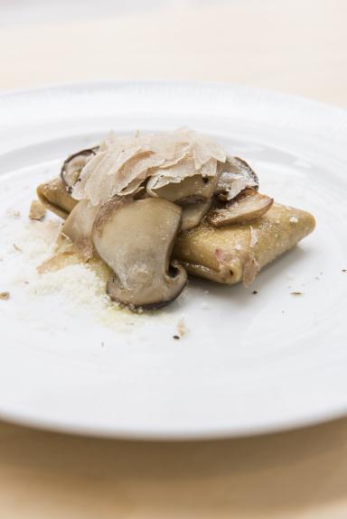 Gluten Free Crescenza Ravioletto with Grano Padano, Porcini Mushroom Butter Sauce and White Truffle di Tony Mantuano