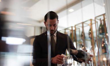 Aleksandar Valentinov Nikolaev, classe 1986, origini bulgare, è il dominus di sala e cantina alla Locanda Margon, l'indirizzo di Casa Ferrari a Trento