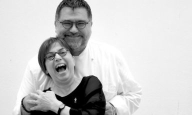 AngeloSabatelli - dell'omonimo ristorante-con la moglieLaura Giannuzzi, che cura la sala. La foto è diSonia Gioia