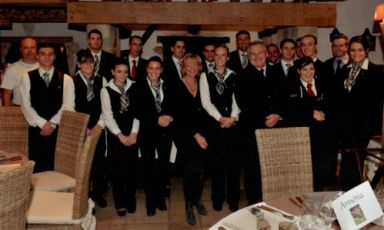 Anneke and the kitchen team at Chalet d'Adrien: t