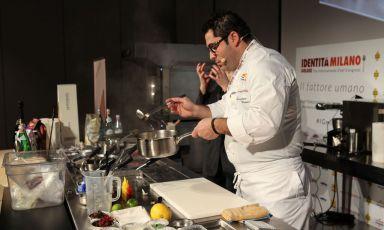 Salvatore Bianco, una stella Michelin a Il Comandante, il ristorante del Romeo hotel diNapoli, domenica scorsa a Identità di Pasta (foto Brambilla/Serrani)