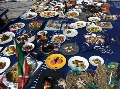 I piatti delle imbarcazioni in gara sul Timoteo