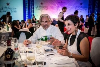 Francesca Barberini, presidente di giuria, con lo chef Davide Scabin alla cena di venerdì sera (foto Marco Antinori)