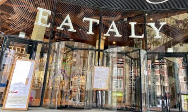 L'ingresso di Eataly London, inaugurato ad aprile al135 di Bishopsgate, Londra