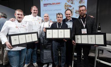 I cinque protagonisti del dibattitoGrandi numeri, alta qualità, a Identità di Sala, insieme a Matteo Lunelli di Cantine Ferrari(foto Brambilla-Serrani)