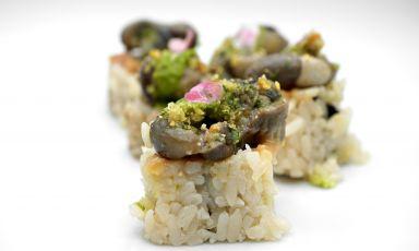 Maki lumaca, il nuovo piatto di Wicky Priyan che ci ha fatto conoscere anche la nuova attività di Martino Crespi, quella di allevatore di lumache. Foto Tanio Liotta