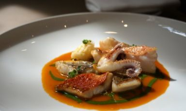 La ricetta del Ciuppin, golosa zuppa ligure interpretata da Edoardo Traverso
