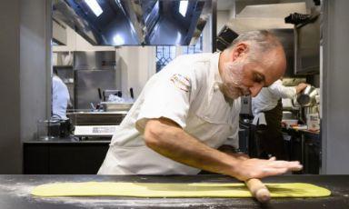 Corrado Assenza, patron di Caffè Sicilia a Noto (Sirarcusa). Oggi, lunedì 23 marzo, alle ore 16, dialogheràcon Paolo Marchilive sull'account Instagram di Identità Golose