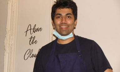 Himanshu Saini, 34 anni, indiano di New Delhi, chefdi Trèsind Studio, fine dining indiano a Dubai (foto Thomas Barker)