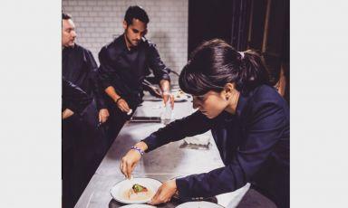 Claudia Ferreresai tempi in cui lavorava per elBarri, il gruppo di Albert Adrià (in alto a sinistra) che ha cessato l'attività. Oggi Claudia èguest relations managerdaDavies and Brook, il ristorante di Daniel Humm alClaridge's Hoteldi Londra