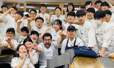 Fabrizio Ferrari: in Corea i ristoranti non hanno mai chiuso, merito del kimchi?