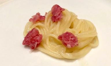 Gli Spaghetti in bianco con carne di Cristiano Tomei, chef deL'Imbuto a Palazzo Pfanner, Lucca,telefono +39.329.0843180