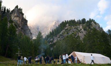 L'alpeggio del Brite de Larieto è diventato la cornice per una sera, una notte e una mattina di cibo, arte, cultura montana e condivisione (tutte le foto sono di Lorenzo Morandi)