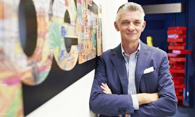 Giulio Cappellini è l'artefice dell'unicità dell'azienda che porta il suo nome, ed è anche una figura emblematica nel panorama internazionale del design. Recentemente è stato eletto dalla rivista Time come uno dei più influenti trend-setter mondiali