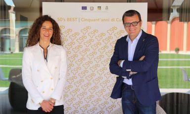 La presidente Roberta Bricolo e il sottosegretario Gian Marco Centinaiodurante i festeggiamenti per i 50 anni della Doc Custoza