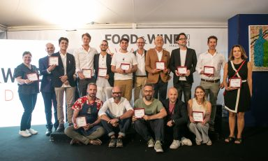 Foto di gruppo dei premiati di Food&Wine Italia
