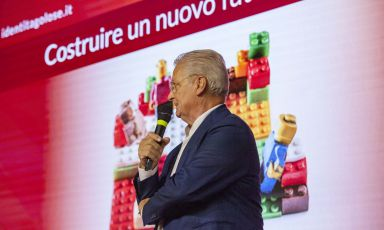 Iginio Massari sul palco dell'a