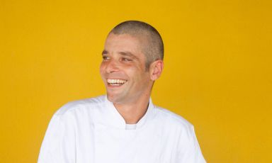 Manuele Senis, chef-patron del nuovo Mema a Pula, in Sardegna