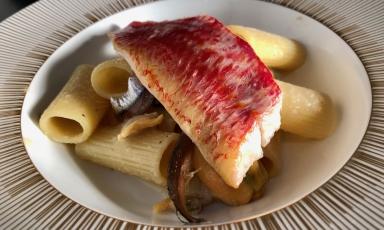 La Cacio e pesce di Corrado Assenza,pasticciere del Caffè Sicilia di Noto (Siracusa), in trasferta a Identità Golose Milano fino a domani, sabato 16 febbraio