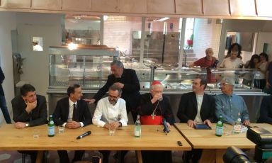 The press conference this morning at Refettorio Ambrosiano, in Piazza Greco 11, in the northeast suburbs of Milan. Left to right: Luciano Gualzetti (vice director of Caritas Ambrosiana), Giuseppe Sala (Expo commissioner),Massimo Bottura (chef at Osteria Francescana in Modena), the Archbishop of Milan Angelo Scola, don Davide Milani, (social communication manager for the Diocese) and Davide Rampello (director of Padiglione Zero at Expo). Tonight there's the first supper of this project that aims at feeding the poor, and not only until 31st October. Entrance is forbidden to journalist