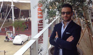 Augusto Valzelli, chef bresciano del ristorante Agrodolce di Imperia, la più giovane stella Michelin d'Italia, in visita ieri a Identità Expo. Nato il 24 gennaio 1991, il ragazzo è chef dell'insegna dal dicembre 2013, quando ha ereditato il timone di Andrea Sarri