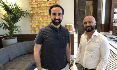 Vito Mollica e Piero Giglio nella lounge del Waldorf Astoria di Dubai. Insieme stanno preparando il lancio di Chic Nonna, negli Emirati Arabi ma anche a New York e Firenze