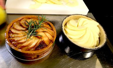 La torta di mele e rosmarino di Ernst Knam ha stregato Ficarra e Picone