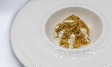 Spaghetto ai ricci di mare, burrata e fichi: la ricetta dell'estate di Daniele Patti