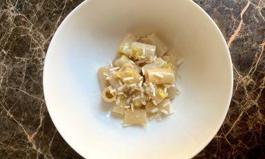 Le ricette di Identità Golose Food Court al Supersalone: Maccheroncino limone acciughe e mandorle di Eugenio Boer