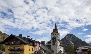 Uno scorcio di Malborghetto in Val Canale (Udine). Al centro della foto di Fabrice Gallina svetta il campanile dell'hotel Hammerack della famiglia Gioitti