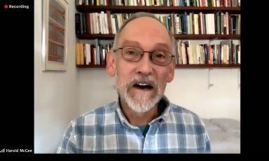 """Harold McGee nello screenshot su Zoom della lezione online tenuta lunedì 22febbraio scorso per il ciclo Mad Mondays at Home. Titolo:""""L'osmocosmo, il mondo degli odori"""""""