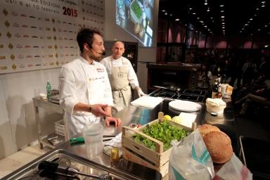 Il giovanissimo Alberto Morello, al suo esordio, ha ben impressionato per l'abbinamento tra lievito madre e prodotti dell'orto (che ha creato accanto alla pizzeria) in Ortoburger, una bontà