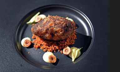 In the following days we will publish the three recipes that got to the finals of the first edition of the S.Pellegrino Young Chef 2015 award, which took place on Friday 26th June at The Mall in Milan. We start with the winner, Irish chef Mark Moriarty, of the Culinary Counter in Dublin, who conquered the title with his dish totally based on celeriac, which was served in a cup that belonged to his grandmother