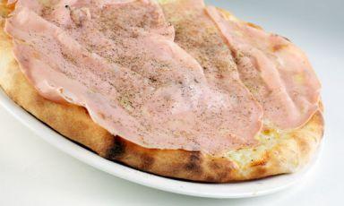 Bona, la pizza conmozzarella di bufala, gorgonzo