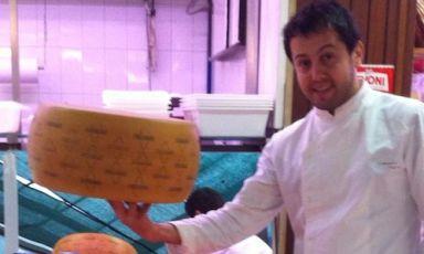 Alessandro Negrini, 33 anni, nato a Sondrio, si divide con il pugliese Fabio Pisani il timone in cucina del Luogo di Aimo e Nadia: l'insegna diAimo Moroni festeggia quest'anno 50 anni