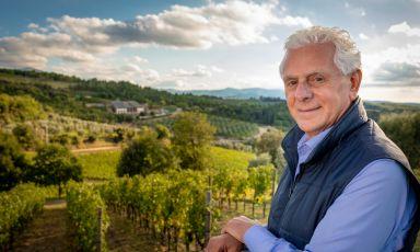 Pasquale Forte, illuminato patron di Podere Forte, cantina vitivinicola in Toscana che comprende anche l'Osteria Perillà. Pasquale ha finanziato i restuari della cinquecentesca cappella di Vitaleta, sempre in Val d'Orcia. Le foto sono di Gabriele Forti
