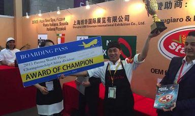 Liu Ya Qi, campione cinese di pizza,a maggio ha rappresentato il suo paese al Campionato Mondiale che si è svolto a Parma, facendosi notare anche dagli italiani