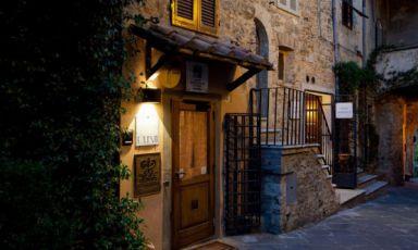 L'ingresso del ristoranteDa Cainoa Montemerano (Grosseto), 2 stelle Michelin dal 1999