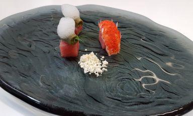 Ventresca di tonno Balfegó, calamaretti spillo, scampi di SantoSpirito e Finger Lime: il piatto dell'inverno di Mario Porcelli
