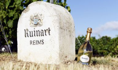 The collaboration between Identità Golose Milano and Ruinart continues, this year with a great new event called Identità di Champagne, on 6th-8th March, within our Congress