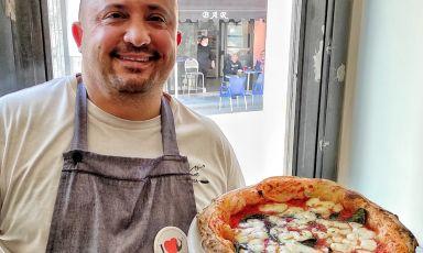 Luca Doro, maestro pizzaiolo della pizzeria Doro Gourmet a Macerata Campania in provincia di Caserta, una pizzeria di destinazione, come lui ama definirla
