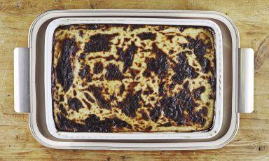 Moussaka tradizionale: la ricetta del delivery di Vasiliki Kouzina a Milano