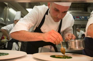 Alessandro Salvatore Rapisarda working on his dish