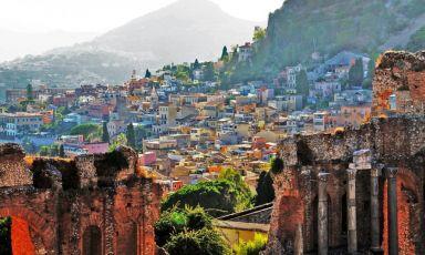 Una vista di Taormina in una foto di Luca Volpi