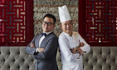 Il direttore Zhang Le con lo chefZhang Guoqing. Figlio e padre, sono le anime del Bon Wei di Milano