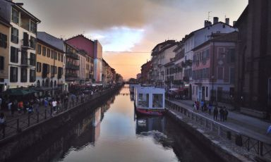 While the possibility of reopening the original network of the Navigli is being discussed in Milan, the two main canals in town, Pavese and Grande, are enjoying a significant relaunch (photo by Elisa Pella)